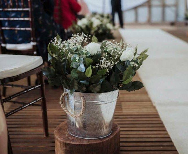 floral-aisle-buckets